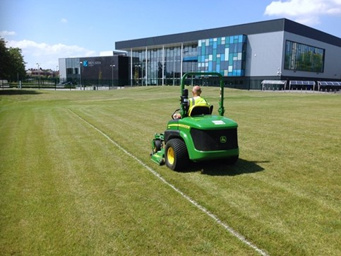 school grounds maintenance Leicestershire